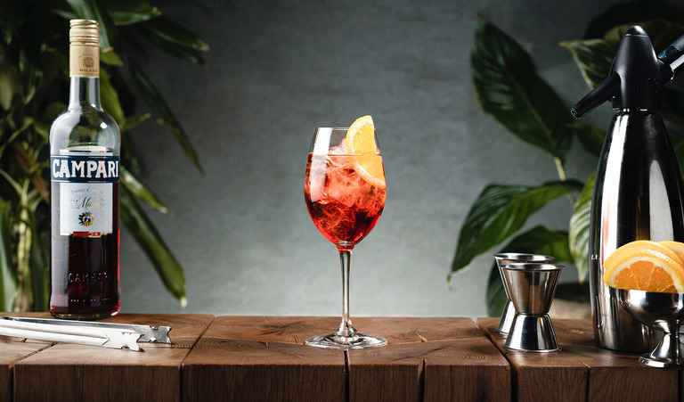 campari spritz drink